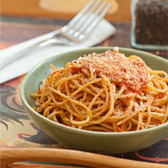 This Roasted Red Pepper #Pasta Sauce is a great way to simplify dinner.