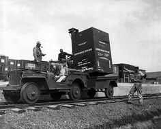 jeep willys 1944 photo 4 vehicules militaires pinterest guerre 39 45 trop tard et. Black Bedroom Furniture Sets. Home Design Ideas