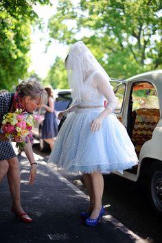 Quirky Wedding, Wedding Car, Wedding Dresses, Alternative Wedding Inspiration, Wedding Transportation, Traditional Wedding, The Ordinary, Flower Power, Vintage Cars