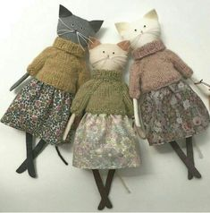 cute cats in clothes handmade stuffed animals, primitive plush animals, art dolls Personalized baby gifts Kids toys Stuffed toy Gift for sisters Bunny doll Fabric toy Rag doll Bunny plush Bunny Rabbit Sisters - Salvabrani Knitting Patterns Jumper Cats in Fabric Toys, Fabric Crafts, Sewing Crafts, Sewing Projects, Paper Toys, Diy Projects, Doll Patterns, Sewing Patterns, Bear Patterns
