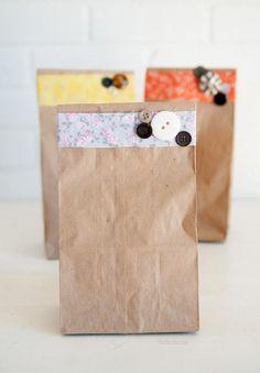 envolver regalos con bolsas kraft