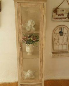 """3 """"Μου αρέσει!"""", 0 σχόλια - @patinacreation στο Instagram: """"#homedecor #λ#interiordesign #interior #home #decor #design #homedesign #handmade #homesweethome…"""" Corner Bookcase, Decor, Furniture, Home, Shelves, Ladder Decor, Home Decor"""