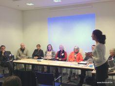ikMVOok terugkomdag, 3 december 2013: panelgesprek. Deelnemers van de verschillende provincies wisselen ervaringen uit over de opmaak van hun eigen duurzaamheidsverslag.