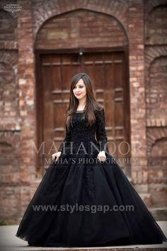 70 Ideas For Dress Maxi Party Outfit Ideas Shadi Dresses, Pakistani Dresses Casual, Indian Gowns Dresses, Pakistani Wedding Outfits, Bridal Outfits, Frock Fashion, Fashion Dresses, Party Wear Dresses, Dress Party