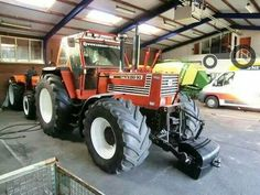 Fiatagri 180 - 90 with front linkage New Holland Ford, New Holland Tractor, Antique Tractors, Old Tractors, Tractor Pictures, Besta, Tractors For Sale, Fiat Cars, Classic Tractor