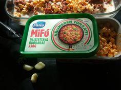 JAUHELIHA-MiFu LASAGNE RESEPTI 500 g KOTIMAISTA sika-nautajauhelihaa 1-2 sipulia, pilkottuna pieniksi paloiksi 2 tomaattipuretta, pieni purkki n. 70 g. Ketsuppikin käy. VALKOSIPULIA Oman maun muka…