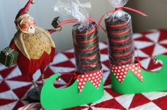 Oreo Elf Shoes- cute! https://www.retailpackaging.com/categories/6-cello-poly/products/2468-clear-cello-bags-rolls #christmas #DIY #crafts #holidays