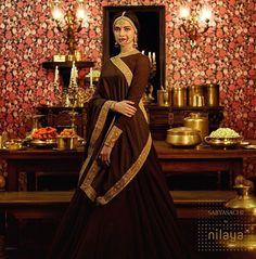 Super Ideas For Bridal Lehenga Sabyasachi Deepika Padukone Indian Bridal Outfits, Indian Bridal Wear, Indian Dresses, Bridal Dresses, Indian Wear, Indian Clothes, Blue Bridal, Indian Attire, Bridal Bouquets