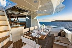 Would love living on a boat Yacht Interior, Interior Modern, Luxe Life, Fab Life, Billionaire Lifestyle, Yacht Boat, Yacht Design, Wooden Boats, Luxury Living