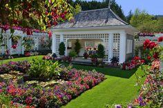 The Private Garden at the Butchart Gardens Outdoor Rooms, Outdoor Gardens, Outdoor Living, Tropical Landscaping, Backyard Landscaping, Dream Garden, Home And Garden, Landscape Design, Garden Design
