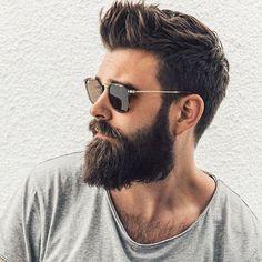 Hacer lucir el cabello no es exclusivo de mujeres. Hay hombres que se han vuelto hair victims por excelencia. Tan sólo recordemos al exfutbolista Davi...