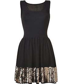 Little black dress with sequined bottom Women's Fashion: My Style (CTS) Marchesa, Pretty Dresses, Beautiful Dresses, Elie Saab, Lilly Pulitzer, Sequin Dress, Nye Dress, Gold Dress, Zuhair Murad