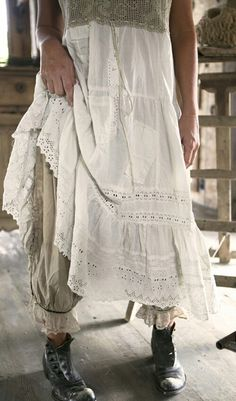 Clothes Boho Magnolia Pearl Ideas For 2019 Clothes Boho Magnolia Pearl Ideas For can find Magnolia pearl and more on our website. Ropa Shabby Chic, Shabby Chic Style, Shabby Chic Clothing, Magnolia Pearl, Boho Outfits, Vintage Outfits, Fashion Outfits, Ankara Fashion, Vintage Fashion