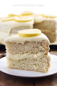One Bowl Lemon Cake - Moist and fluffy lemon cake made with just one bowl! Minimum clean up, maximum deliciousness!