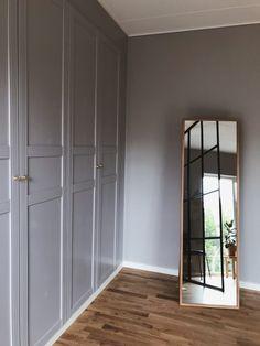 Best Indoor Garden Ideas for 2020 - Modern Closet Bedroom, Bedroom Decor, Ikea Pax Hack, Galaxy Bedroom, Flur Design, Ikea Living Room, Living Rooms, Modern Closet, Hallway Designs
