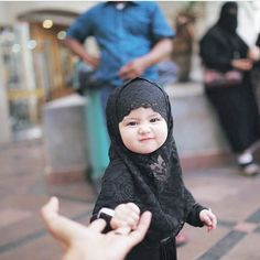 baby, hijab, and islam image Cute Baby Boy, Cute Little Baby, Little Babies, Cute Kids, Cute Babies, Baby Kids, Baby Hijab, Girl Hijab, Beautiful Children