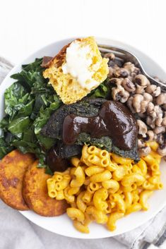 Dish up a healthier version of your favorite comfort food by using Dr. Praeger's Super Greens Veggie Burgers and Sweet Potato Hash Browns. Gluten Free Vegetarian Recipes, Veg Recipes, Delicious Recipes, Sweet Potato Hash Browns, Southern Recipes, Southern Food, Stuffed Peppers, Bbq, Ethnic Recipes