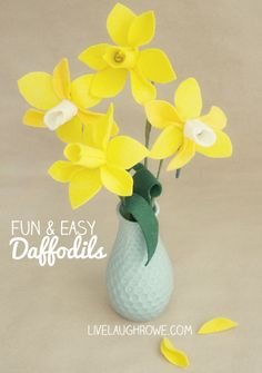 Fun and Easy Felt Daffodils.  A flower that never dies!  Tutorial with livelaughrowe.com