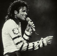His smile could cure the big C✨ • • • #michaeljackson #michael #jackson #kingofpop #king #pop #mike #mj #mjj #michaeljosephjackson #mikey…