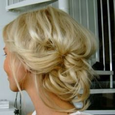 Girly stuff by serena love her hair color and the style