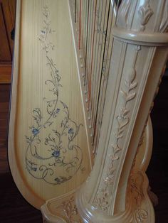 My harp is NOT this fancy Hammered Dulcimer, Make A Joyful Noise, Singing Quotes, Jack And The Beanstalk, Shabby Chic Bedrooms, Musa, Loom Weaving, Music Lessons, Vintage Love