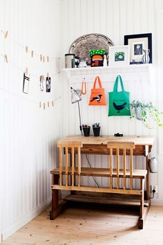 white painted headboard walls, vintage wood furniture, plants, industrial touches, hanging string pictures with clothespins Interior Inspiration, Room Inspiration, Kid Desk, Big Girl Rooms, Deco Design, Kids Furniture, Kids Bedroom, Kids Rooms, Decoration