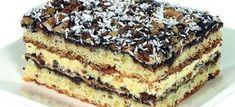 Margarynę, mąkę z proszkiem i amoniakiem, żółtka i śmietanę wymieszać i zarobić ciasto. Podzielić na 2 części. Każdą część rozwałkować i wyłożyć na 2 foremki.