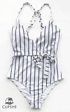 Cupshe Stay Young Stripe One-piece Swimsuit # style # swimsuit # womensfashion – Leben und Stil Summer Bathing Suits, Cute Bathing Suits, Bathing Suits One Piece, Classy Outfits, Cute Outfits, Striped One Piece, Striped Style, Cute Swimsuits, Bikini Swimsuit