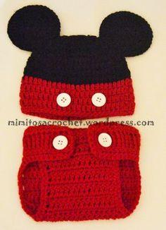 Hola a tod@s! Os presento una de mis prendas favoritas, estos simpáticos cubrepañales tejidos a crochet. El patrón lo conseguí de uno de mis blog favoritos, llamado Repeat Crafter me, de donde tamb…