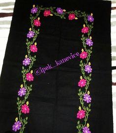 Cross Stitch Charts, Diy Crafts, Arabic Dress, Crocheted Flowers, Punto Croce, Cat Walk, Paths, Dotted Drawings, Needlepoint