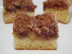 Sour Cream Apple Crumble Coffee Cake