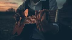Play Music Easily With These Simple Guitar Tips. Have you had the experience of picking a guitar up and wanting to play it? Have you wondered if you have musical talent?