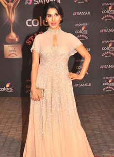 Sophie Choudry at the Stardust Awards 2015. #Bollywood #StardustAwards2015 #Fashion #Style #Beauty #Hot
