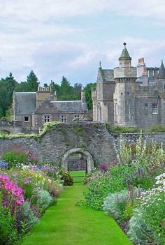 Abbotsford House, Scotland - historic home of the poet & author, Sir Walter Scott <3