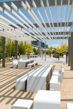 Landscape And Urbanism, Park Landscape, Landscape Architecture Design, Space Architecture, Urban Landscape, Parque Linear, Plaza Design, Linear Park, Public Space Design