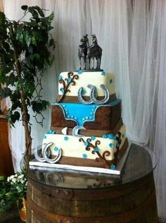 I want this cake when I get married!<3 (: