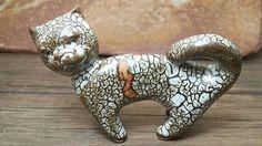공방에서 만든 도자기로만든 고양이입니다