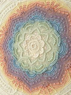 Mandala Madness pattern by Helen Shrimpton knitted ideas Mandala Madn . Mandala Madness pattern by Helen Shrimpton knitted ideas Mandala Madness pattern by Helen Crochet Afghans, Motifs Afghans, Afghan Crochet Patterns, Crochet Squares, Crochet Doilies, Crochet Stitches, Crochet Blankets, Crochet Granny, Throw Blankets