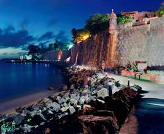 Old San Juan, Puerto Rico. i call it the cat path, because of all the homeless gatitos!