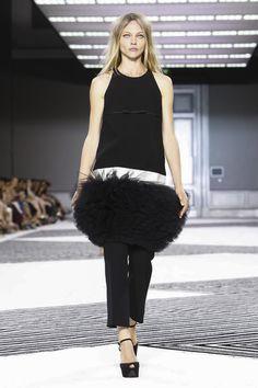 Giambattista Valli Couture Fall Winter 2015 Paris - NOWFASHION