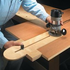 Extendable router guide - Essential Router Add-On | Woodsmith Tips