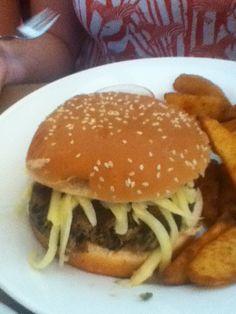 Hamburger, Ethnic Recipes, Food, Eating Well, Ideas, Vienna, Different Types Of, Ethnic Food, Restaurants