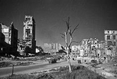 Napoleon Square and Prudential Skyscraper in center of Warsaw, capitol of Poland destroyed by Germans, 1947, photot: Edward Falkowski / CFK / Forum