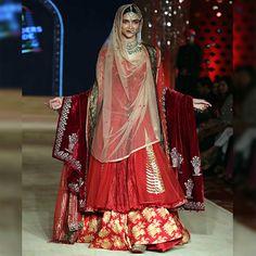 How To Wear Double Dupattas With Stylish Bridal Lehengas | Fashion Tips - Indiarush