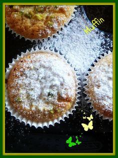 Profumo di broccoli: Muffin al limone con granella di pistacchi
