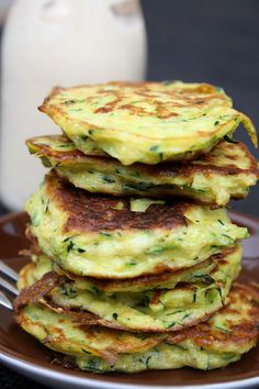 Eine schnell gemachte Gemüsevariation ... Diet Recipes, Veggie Recipes, Low Carb Recipes, Healthy Recipes, Indian Recipes, Ethnic Recipes, Zucchini Pancakes, Erika, Falafel