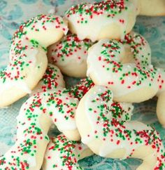 """Holiday baking --> """"Old recipe for Italian Anisette Cookies, or """"S"""" cookies, like my husband's grandma used to make. These will be a great addition to your holiday cookie tray. Italian Wedding Cookies, Italian Christmas Cookies, Christmas Sweets, Italian Anisette Cookies, Italian Cookies, Cookie Tray, Cookie Desserts, Gourmet Desserts, Plated Desserts"""