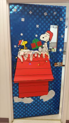 snoopy and woodstock xmas door amy hylkema door decorations the partiologist a charlie brown christmas