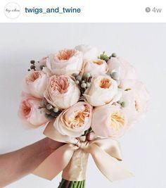 8 Florist yang Harus Kamu Follow di Instagram - twigs and twine jakarta the bride dept wedding bouquet