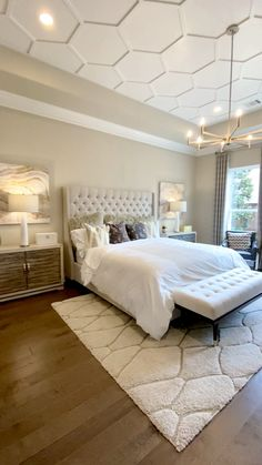 Master bedroom with ceiling molding design - Beautiful tufted headboard, neutral colored bedding, gold chandelier, and ceiling trim design detai - Ceiling Design Living Room, Bedroom False Ceiling Design, Master Bedroom Interior, Small Room Bedroom, Bedroom Colors, Home Interior, Home Decor Bedroom, Interior Design, Small Rooms